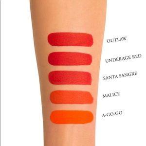 Kat Von D Makeup - Santa Sangre Everlasting liquid lipstick 6.6 ml